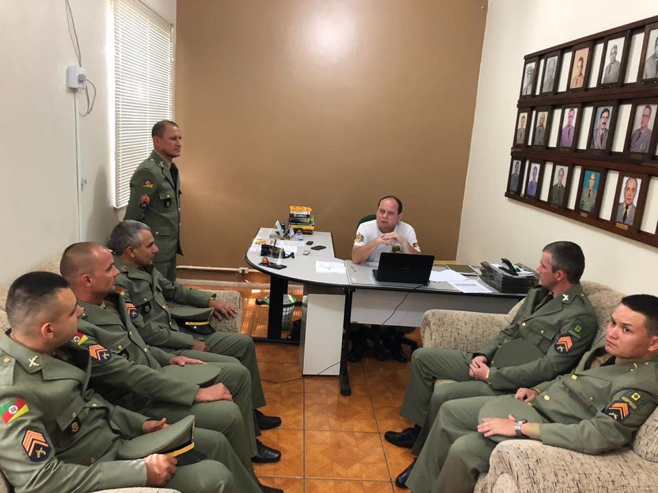 14° BM recebe seis novos sargentos