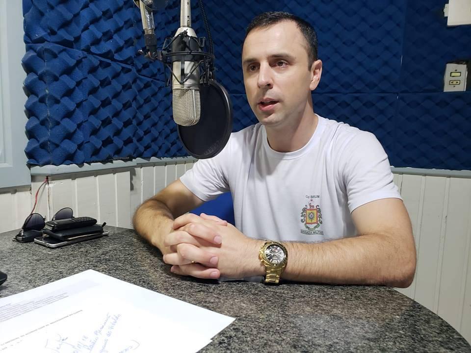 """""""A polícia não pode cuidar de cada marmanjo que vai pra praça brigar"""", diz capitão da Brigada Militar"""