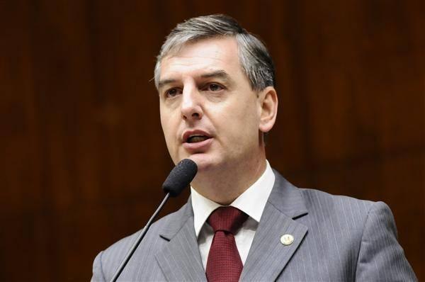 Eduardo Loureiro manifesta preocupação com possível redução nas coordenadorias de educação