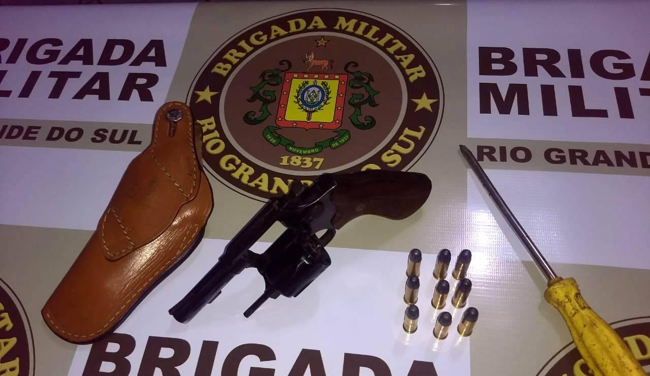 Brigada Militar efetua prisão por porte ilegal de arma de fogo