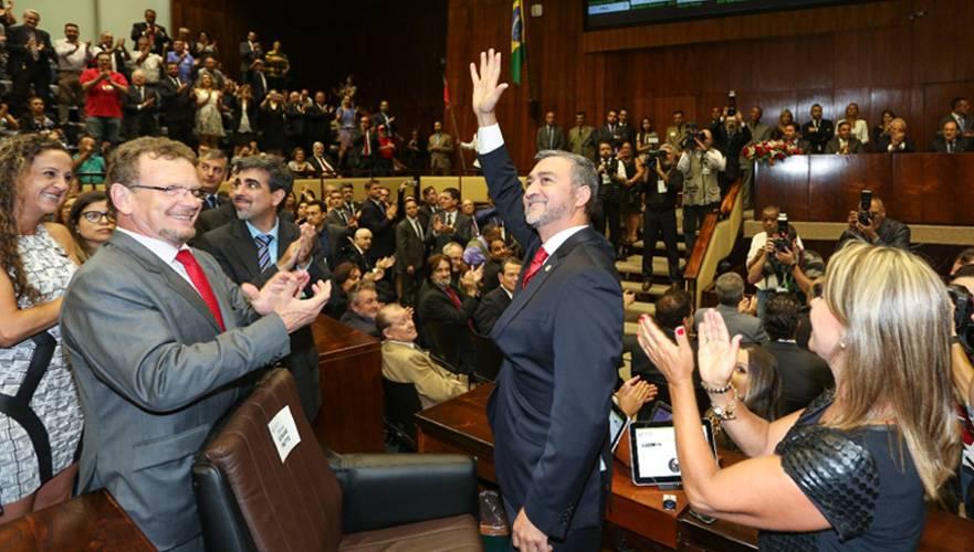 Deputado Edegar Pretto volta à presidência da Assembleia Legislativa e prioriza tema da seca no estado