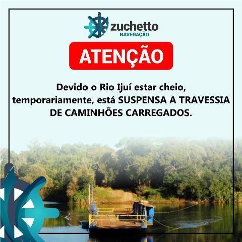 Devido a cheia do rio Ijuí, estão suspensas as travessias de caminhões carregados pela barca