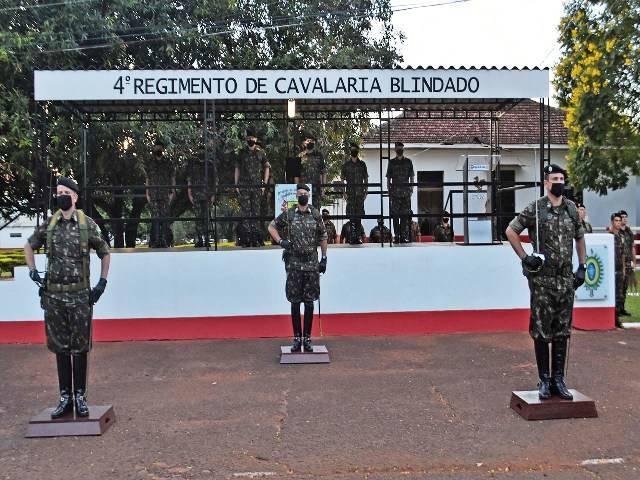 Solenidade promoveu a transmissão do cargo de Comandante do 4°RCB
