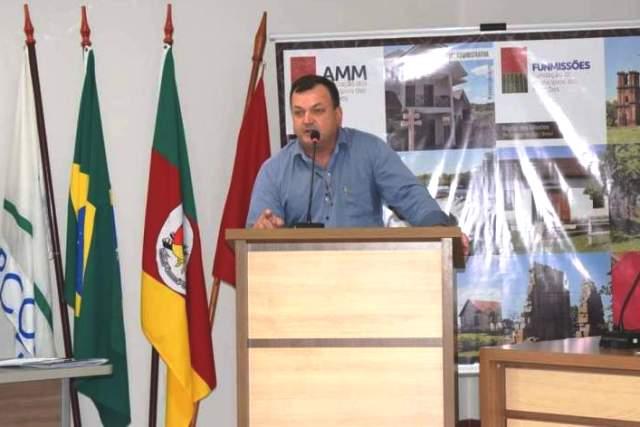 Prefeito de São Nicolau assume presidência de associação de municípios