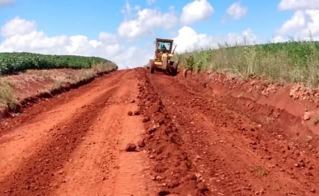 Prefeitura de Bossoroca intensifica os trabalhos de recuperação das estradas no interior