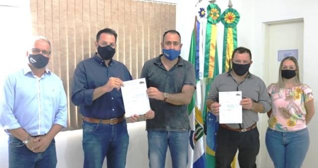 Resíduo asfáltico: prefeito Felisberto entrega ofício ao deputado Turra para que intervenha junto ao DNIT