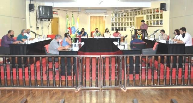 Câmara de Vereadores realizou a 12ª Sessão do ano nesta segunda-feira