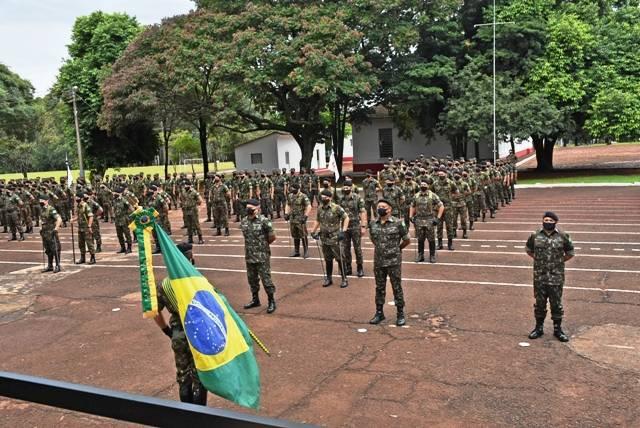 4º Regimento de Cavalaria Blindado comemora o Dia do Exército