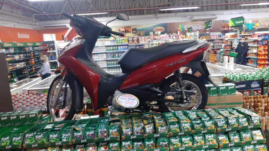 Supermercados Coopatrigo sorteiam uma moto Biz neste sábado