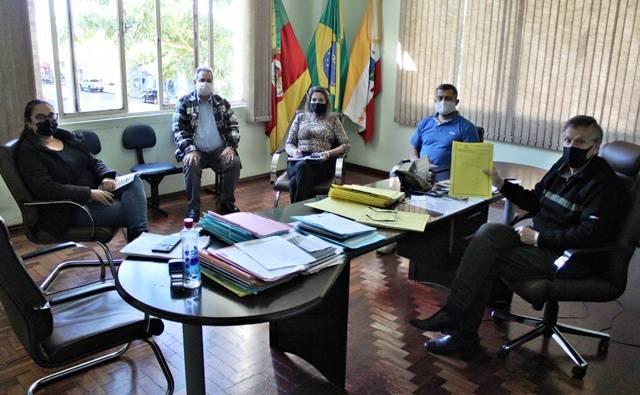 Representantes do FAPS entregam Relatório da Avaliação Atuarial de 2021 ao Executivo Municipal