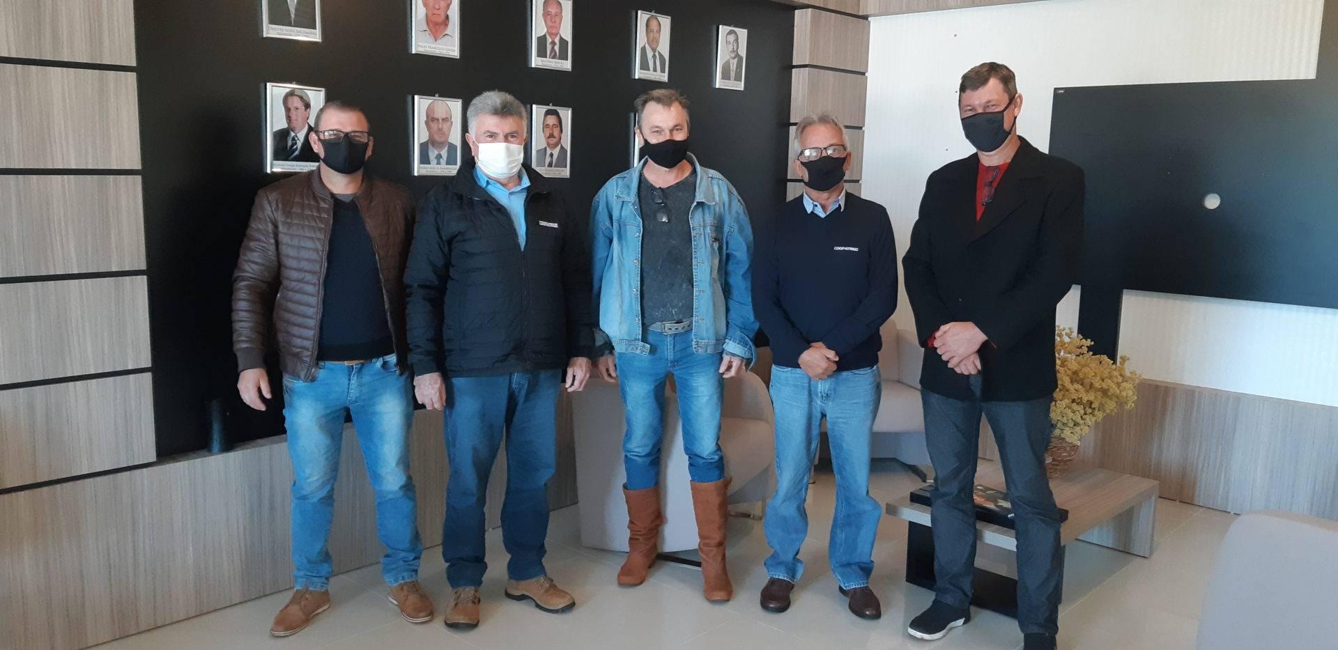 Diretoria da Regional Sindical Missões II realiza visita à Coopatrigo