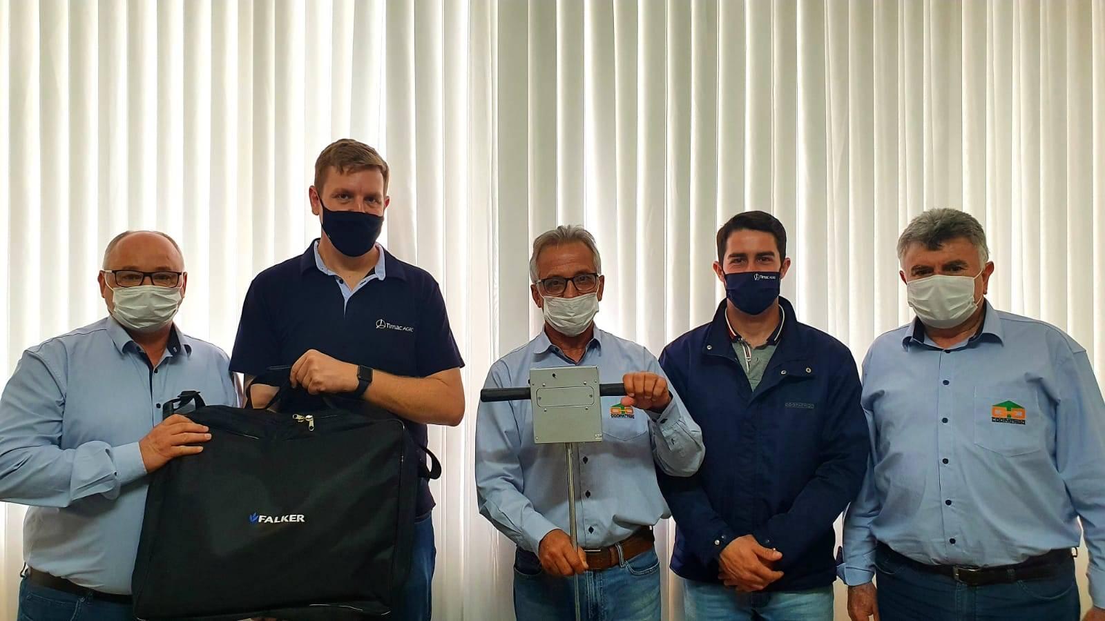 Coopatrigo recebe equipamentos para medir compactação do solo