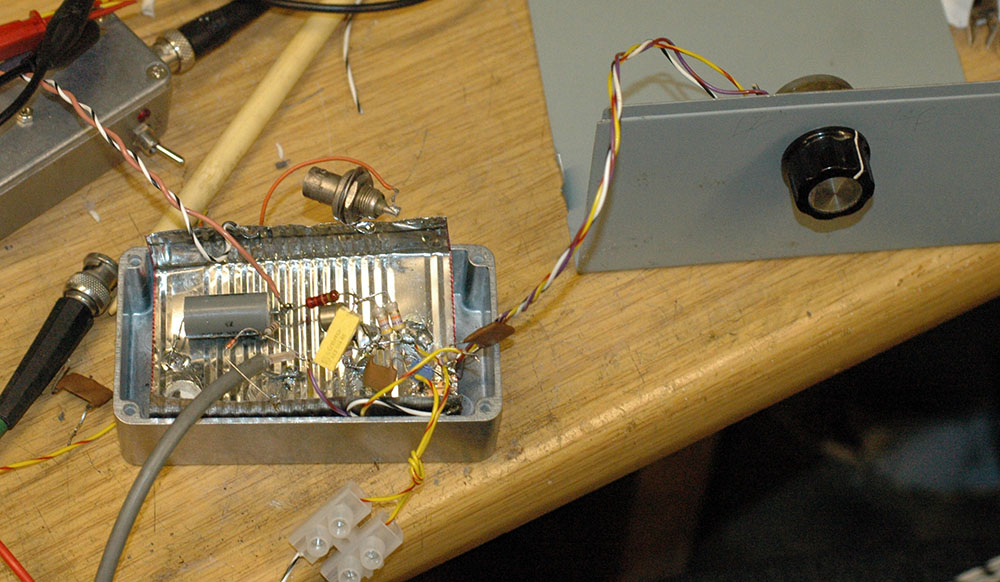Showing The Difference Between Series And Parallel Speaker Wiring