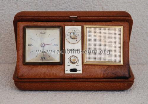 Solid State Travel Alarm Clock Radio
