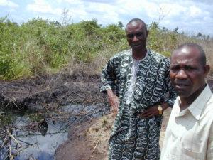 Bari ara Kpalap near an oil spill in Yorla
