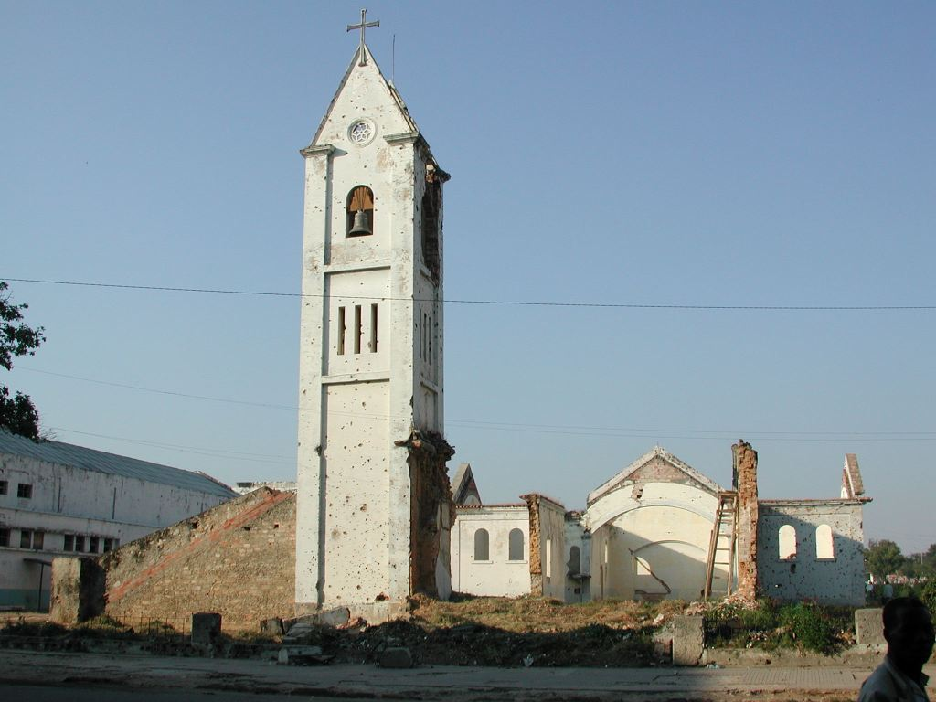 Destroyed church in Kuito