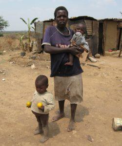 Ncedisani Mpofu with two of her children