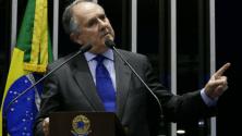 """Imitação de Cristovam pede intervenção militar, tem apoio na rede e senador reclama: """"Estupro moral"""""""