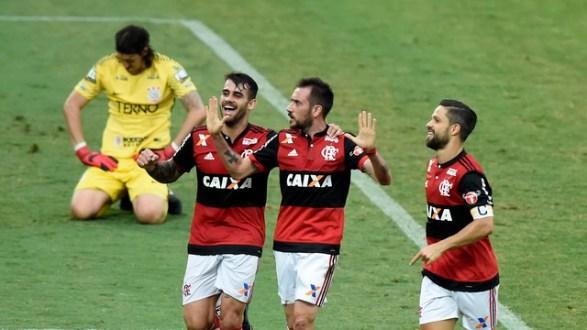 Em jogo com briga de Rhodolfo e Vizeu, Fla goleia e carimba faixa do campeão Corinthians