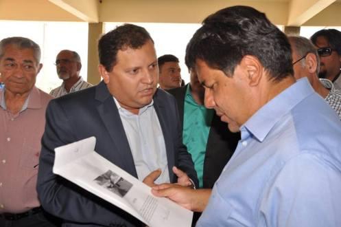 Em São José do Egito empresário constrói Faculdade e admite disputar sucessão municipal