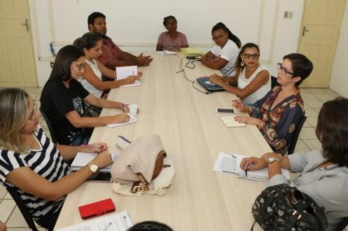 Afogados: organizações de mulheres tem reunião com delegada da mulher