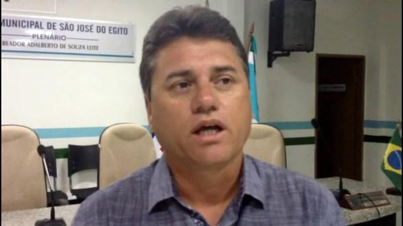 Vereador acusa Prefeitura de SJE de procurar justificativas para não pagar servidores