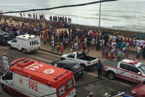 Helicóptero da Globo cai e deixa mortos na Praia do Pina