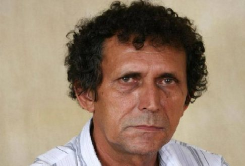 Morre o cantor e compositor Zeca Bahia, aos 67 anos