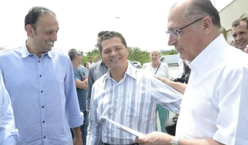 Prefeitos de São José dos Campos e Jacareí querem ações conjuntas junto ao Governo Dória