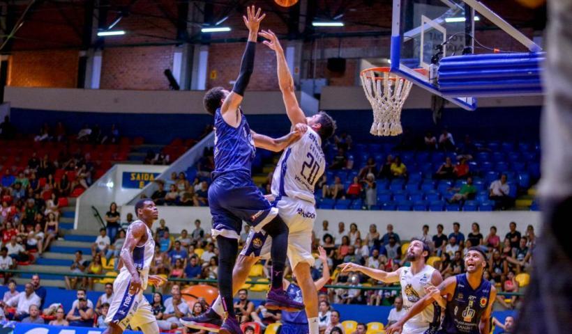 São José Basketball é superado pelo Mogi na retomada do NBB