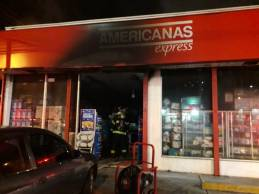 Incêndio atinge loja na região da 9 de julho, mas fogo é controlado pelos Bombeiros