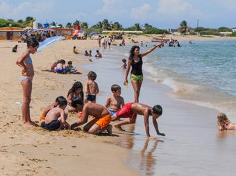 Las 12 playas del estado son aptas y no representan riesgo para los bañistas, señaló la Secretaría de Salud en la  entidad.