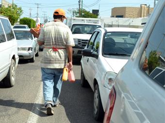El calor intenso característico de la temporada de verano en Hermosillo incrementa el peligro de contaminación