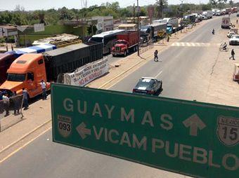 Continúan opositores al acueducto con bloqueo en Vícam