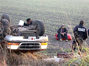 Deja una persona muerta y 4 lesionados accidente en carretera a Nogales