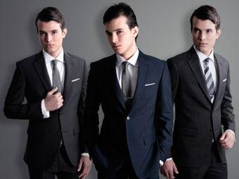 Diez errores que cometen los hombres al usar traje
