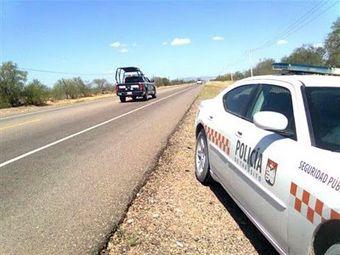 Capturan a ladrones de autos tras persecución en Hermosillo