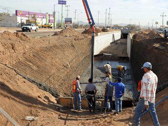 Continúa construcción del bulevar Perimetral Norte y canal pluvial