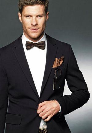 Xavi Alonso, ha hecho comerciales sobre ropas de marca.