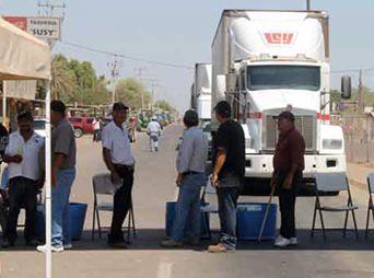 Desbloquean Yaquis carretera en Vicam por Cuaresma