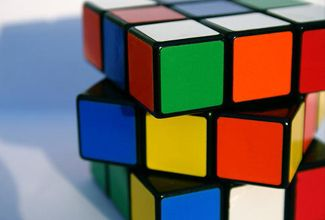 Google celebra los 40 años del cubo Rubik