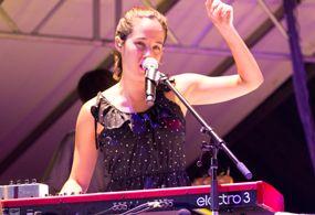 Se presenta Ximena Sariñana en las Fiestas del Pitic