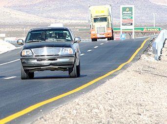 Mueren tres personas en carretera Caborca - Sonoyta