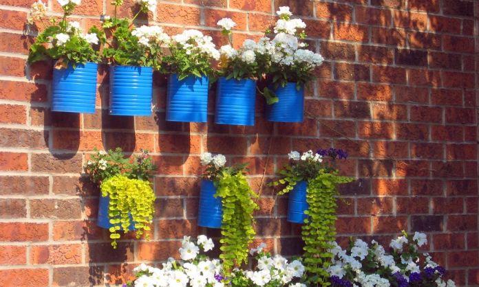 3 ideas de jardines peque os con material reciclable for Decoracion jardin pequeno reciclado