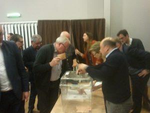 Les élus communautaires auront beaucoup voté tout au long de la soirée...((c) Radio Plus / Jean-Philippe PLANQUE)