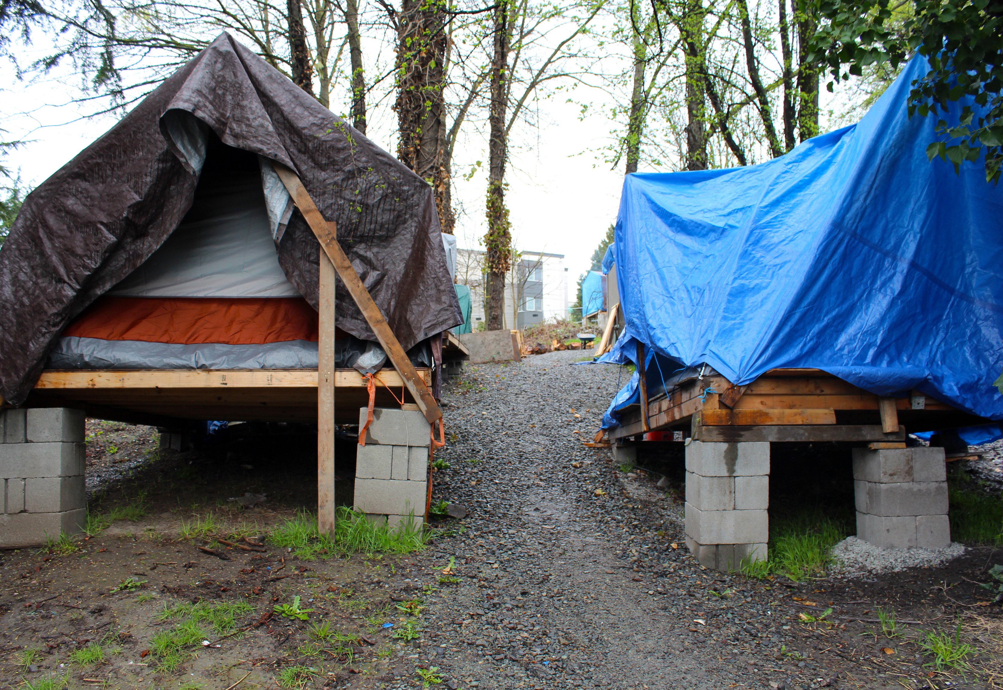 With rising rents around the country and decreased access to housing services many people are looking for ways to aid the countryu0027s growing homeless ... & These photos show what itu0027s like to live in a tent city - Making ...