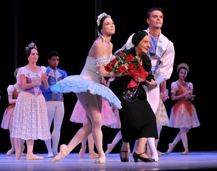 La Prima Ballerina Assoluta Alicia Alonso (C), asistió a la Gala dedicada al Triunfo de la Revolución, en la reapertura del Gran Teatro de La Habana Alicia Alonso. Foto:Ismael Batista
