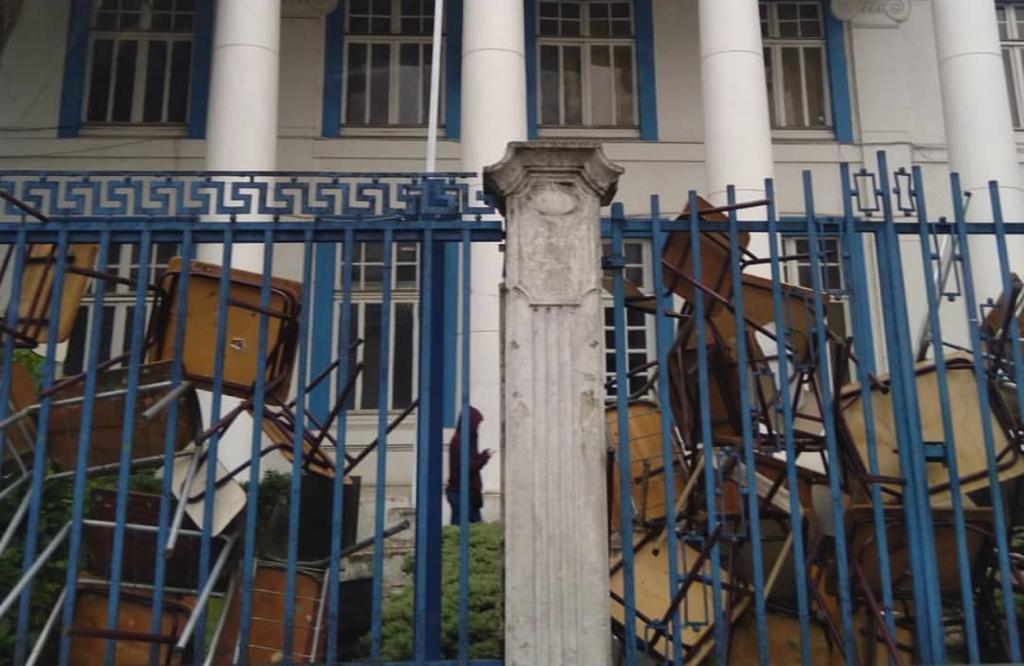 Cuatro liceos y dos colegios particulares subvencionados permanecen en toma en Osorno - Radio Sago