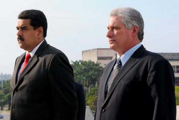 Nicolás Maduro recibe la felicitación del presidente cubano por resultado electoral