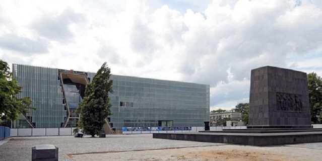 Jews in Poland: The Museum of the History of Polish Jews